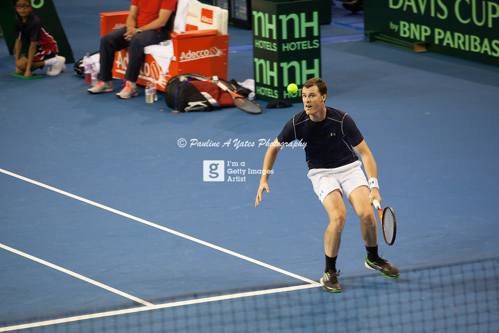 After chasing down the ball again, Jamie Murray focuses on the return
