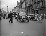 20/09/1952<br /> 09/20/1952<br /> 20 September 1952 <br /> Leinster Veteran Car Run, Dublin to Naas. The veteran cars going down O'Connell Street, Dublin.