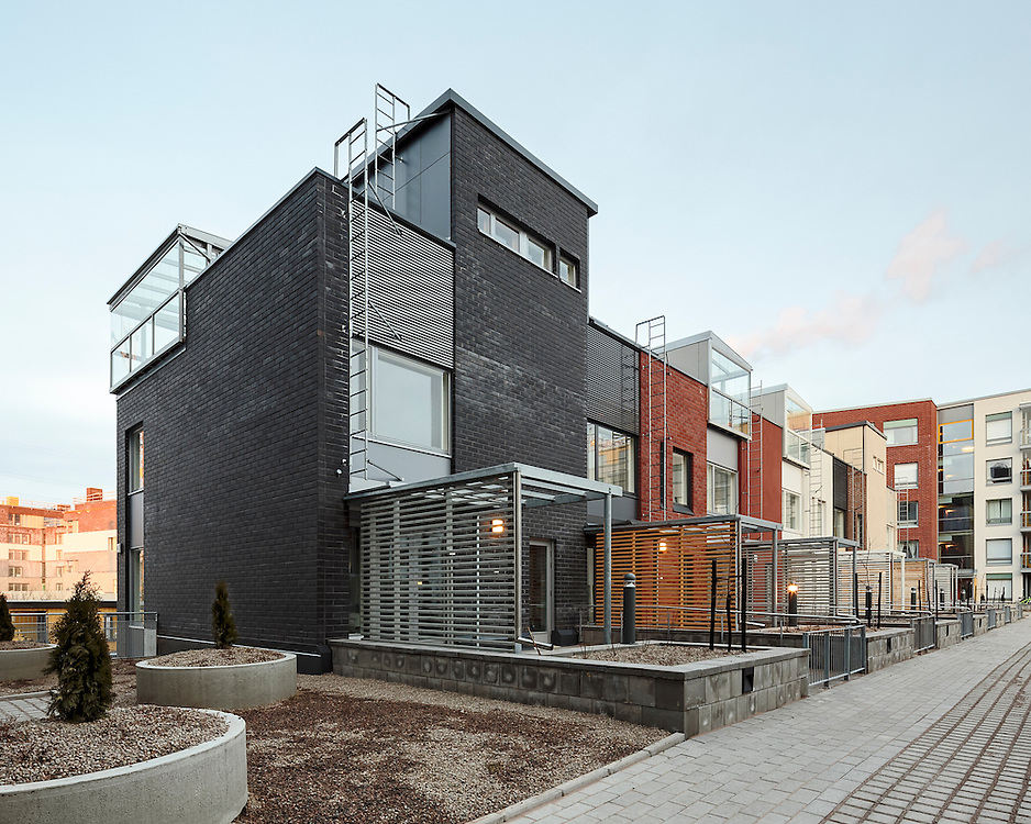 Kalasataman Huvilat apartments in Helsinki, Finland designed by Portaali architects.
