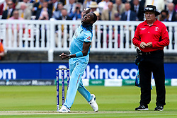 Jofra Archer of England bowling - Mandatory by-line: Robbie Stephenson/JMP - 14/07/2019 - CRICKET - Lords - London, England - England v New Zealand - ICC Cricket World Cup 2019 - Final