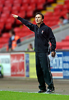 Photo: Jed Wee.<br />Darlington v Swindon Town. Coca Cola League 2. 19/08/2006.<br /><br />Swindon manager Dennis Wise.