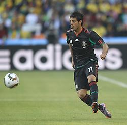 11.06.2010, Soccer City Stadium, Johannesburg, RSA, FIFA WM 2010, Südafrika (RSA) vs Mexico (MEX), im Bild Carlos Vela of Mexico in action, EXPA Pictures © 2010, PhotoCredit: EXPA/ IPS/ Mark Atkins
