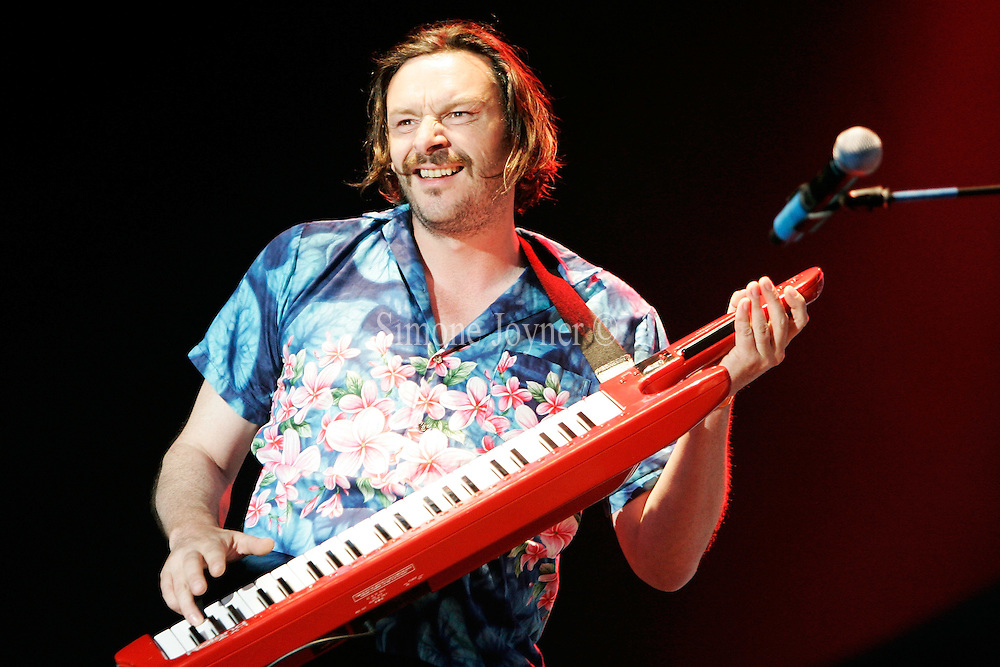 Julian Barratt performs live on stage with the Boosh band during The Mighty Boosh Festival at The Hop Farm on July 5, 2008 in Paddock Wood, Kent, England.(Photo by Simone Joyner)