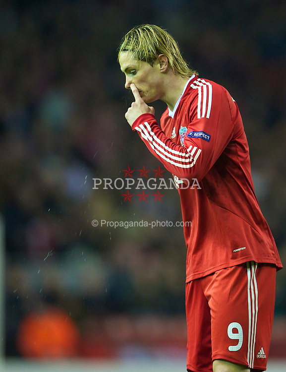 LIVERPOOL, ENGLAND - Thursday, March 18, 2010: Liverpool's Fernando Torres in action against LOSC Lille Metropole during the UEFA Europa League Round of 16 2nd Leg match at Anfield. (Photo by David Rawcliffe/Propaganda)