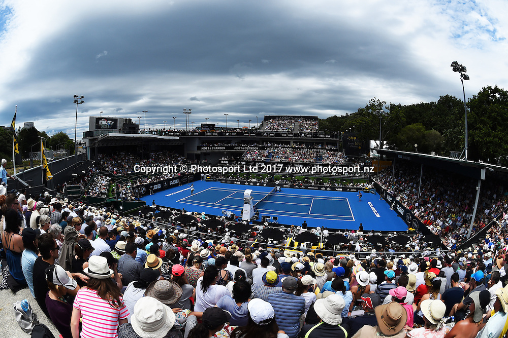 General view of centre court when Serena Williams (USA) and Pauline Parmentier (FRA) play during the ASB Classic WTA Womens Tournament Day 2. ASB Tennis Centre, Auckland, New Zealand. Tuesday 3 January 2017. ©Copyright Photo: Chris Symes / www.photosport.nz