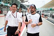 March 27-29, 2015: Malaysian Grand Prix - Yasuhisa Arai, Honda Head of Motorsport and Fernando Alonso