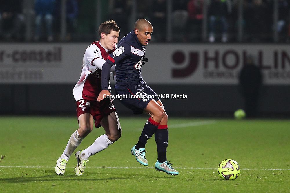 Gaetan BUSSMANN / Wahbi KHAZRI - 03.12.2014 - Metz / Bordeaux - 16eme journee de Ligue 1 -<br />Photo : Fred Marvaux / Icon Sport