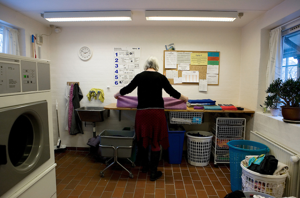 Arhus, Denmark, February 6, 2010. Bof&aelig;llesskabet Rumlepotten, co-housing community in Holme, Arhus, Denmark. Settled since 1985. Here are living 32 different familiar group and individual in 32 apartment.<br />