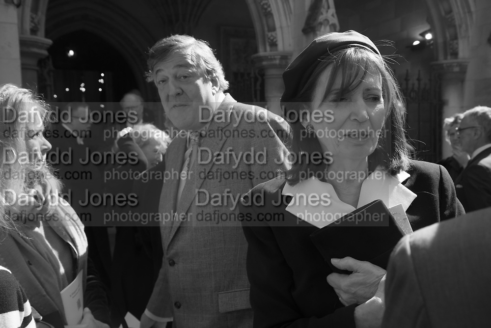 SABRINA GUINNESS; STEPHEN FRY; LUCY LINDSAY-HOGG, Service of thanksgiving for  Lord Snowdon, St. Margaret's Westminster. London. 7 April 2017