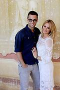 Castpresentatie romantische komedie Toscaanse Bruiloft in Villa Rossi Lucca, Italie<br /> <br /> Op de foto:   Jan Kooijman en Lieke van Lexmond