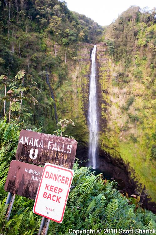 A warning sign at Akaka Falls on the Big Island of Hawaii.