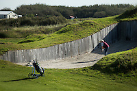 TEXEL- Cocksdorp-TEXELSE GOLF. hole 18 met grote bunker. .  COPYRIGHT KOEN SUYK