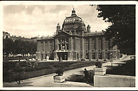 Zagreb : Umjetnički paviljon. <br /> <br /> ImpresumZagreb : Naklada: Orient [1933].<br /> Materijalni opis1 razglednica : tisak ; 9,1 x 14,2 cm.<br /> NakladnikNaklada Orient<br /> Mjesto izdavanjaZagreb<br /> Vrstavizualna građa • razglednice<br /> ZbirkaZbirka razglednica • Grafička zbirka NSK<br /> Formatimage/jpeg<br /> PredmetZagreb –– Trg kralja Tomislava<br /> Umjetnički paviljon (Zagreb)<br /> SignaturaRZG-TOM-14<br /> Obuhvat(vremenski)20. stoljeće<br /> NapomenaRazglednica je putovala 1933. godine.<br /> PravaJavno dobro<br /> Identifikatori000952749<br /> NBN.HRNBN: urn:nbn:hr:238:645352 <br /> <br /> Izvor: Digitalne zbirke Nacionalne i sveučilišne knjižnice u Zagrebu