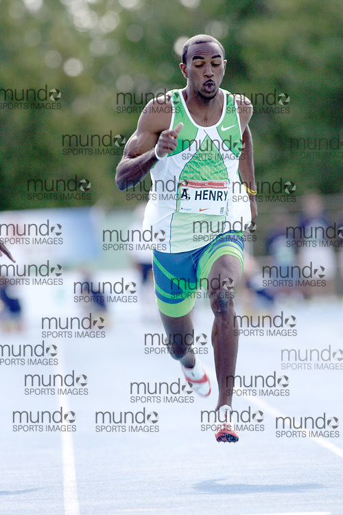 Anson Henry competing in the 100m at the 2006 Canadian Senior Track and Field Championships held in Ottawa 4-6 August 2006.