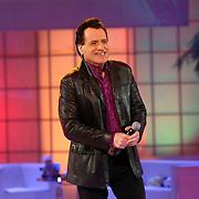 NLD/Hilversum/20070302 - 8e Live uitzending SBS Sterrendansen op het IJs 2007, optreden George Baker