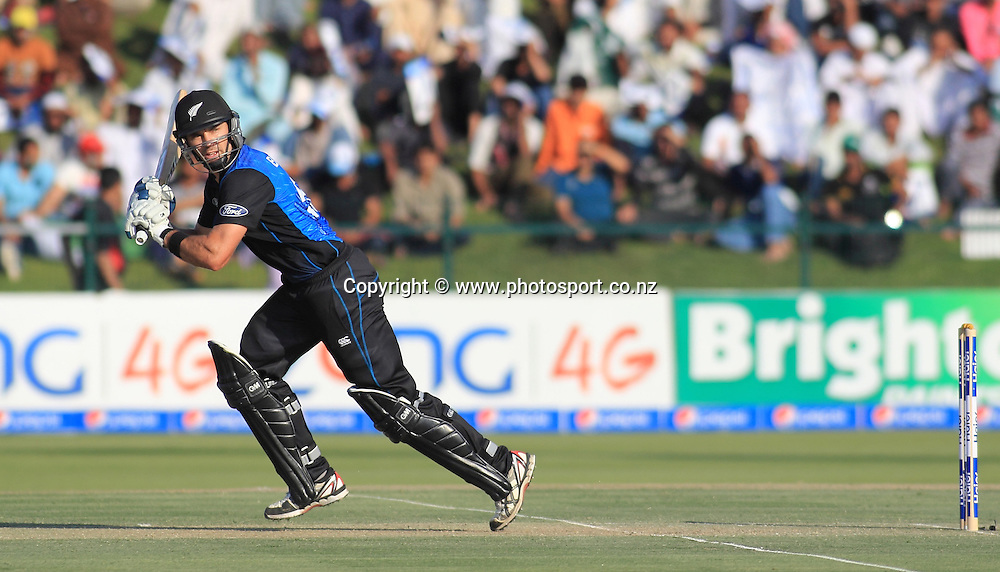 Pakistan vs New Zealand, 19th December 2014. Dean Brownlie plays a shot in the 5th ODI in Abu Dhabi