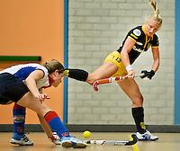 UTRECHT - Hoofdklasse Zaalhockey: Maartje Goderie van Den Bosch aan de bal tijdens de wedstrijd tussen de vrouwen van Den Bosch en SCHC.  FOTO KOEN SUYK