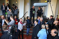 """Mündliche Verhandlung über die Unterlassungsklage des türkischen Präsidenten Erdogan gegen Böhmermann vor dem Hamburger Oberlandesgericht: Medieninteresse<br /> <br /> / 021116<br /> <br /> *** Private prosecution trial Erdogan vs. Boehmermann for an """"insulting"""" poem at the Hamburg court; November 2nd, 2016 ***"""