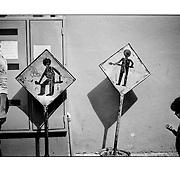 """Autor de la Obra: Aaron Sosa<br /> Título: """"Serie: Venezuela Cotidiana""""<br /> Lugar: Caracas - Venezuela<br /> Año de Creación: 2003<br /> Técnica: Captura digital en RAW impresa en papel 100% algodón Ilford Galeríe Prestige Silk 310gsm<br /> Medidas de la fotografía: 33,3 x 22,3 cms<br /> Medidas del soporte: 45 x 35 cms<br /> Observaciones: Cada obra esta debidamente firmada e identificada con """"grafito – material libre de acidez"""" en la parte posterior. Tanto en la fotografía como en el soporte. La fotografía se fijó al cartón con esquineros libres de ácido para así evitar usar algún pegamento contaminante.<br /> <br /> Precio: Consultar<br /> Envios a nivel nacional  e internacional."""