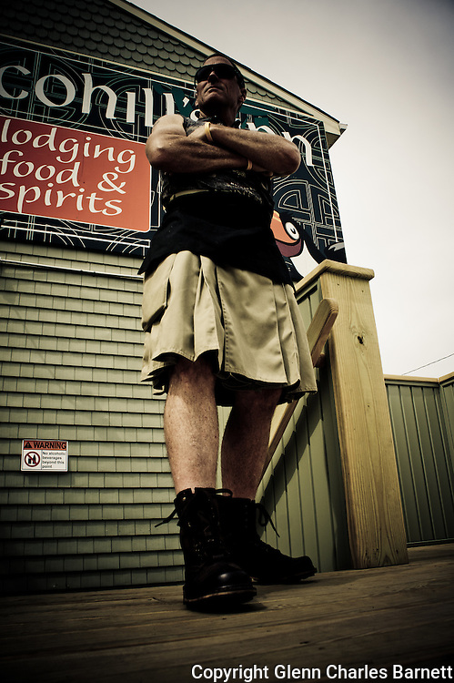 Sporting my fancy Utilikilt this summer.