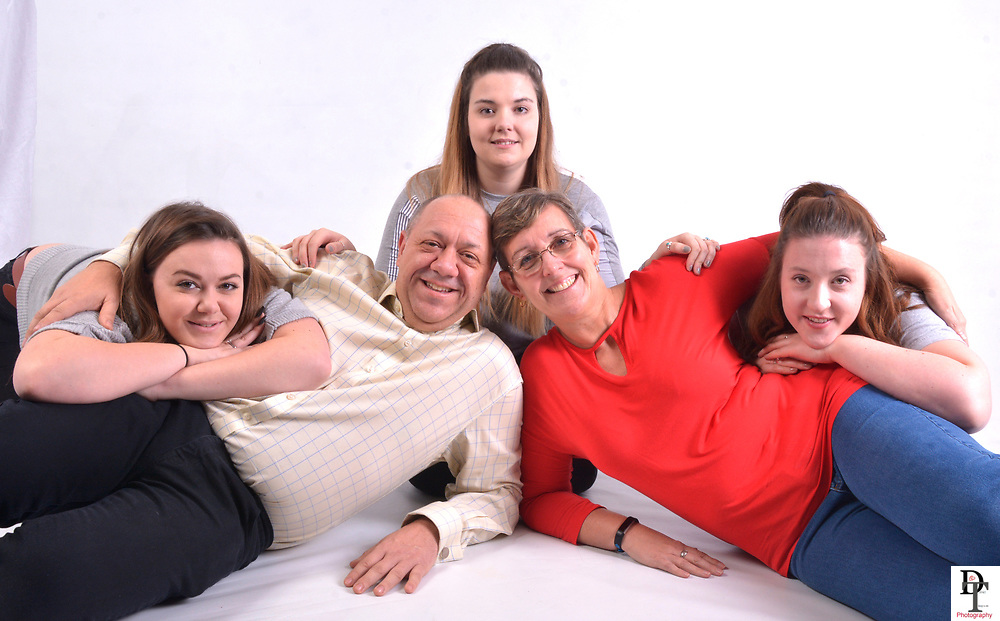 Beth White family portrait session won on Wave 105 cash for kids auction 2017. David Timpson Photography has been supporting Cash for Kids for three years.