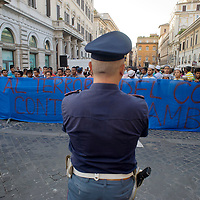 """Manifestazione  della  comunità bengalese di Roma """"Non siamo criminali"""""""