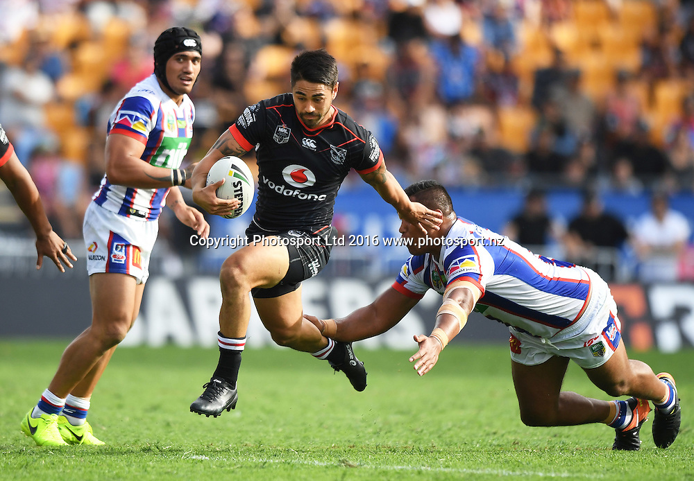 Shaun Johnson on the attack.<br /> Vodafone Warriors v Newcastle Knights. NRL Rugby League. Mt Smart Stadium, Auckland, New Zealand. Sunday 5 March 2017 &copy; Copyright Photo: Andrew Cornaga / www.Photosport.nz