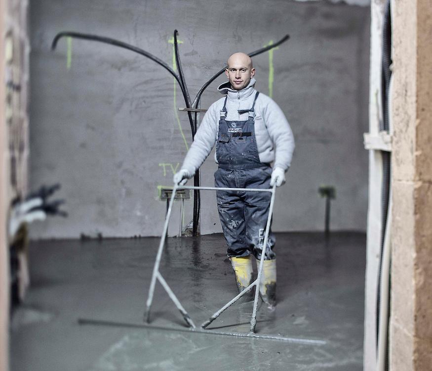 Operaio in un cantiere dell'Aquila<br /> <br /> Worker at the L'Aquila