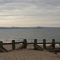Sandy beach on the Firth of Forth in Portobello, near Edinburgh, Scotland<br />