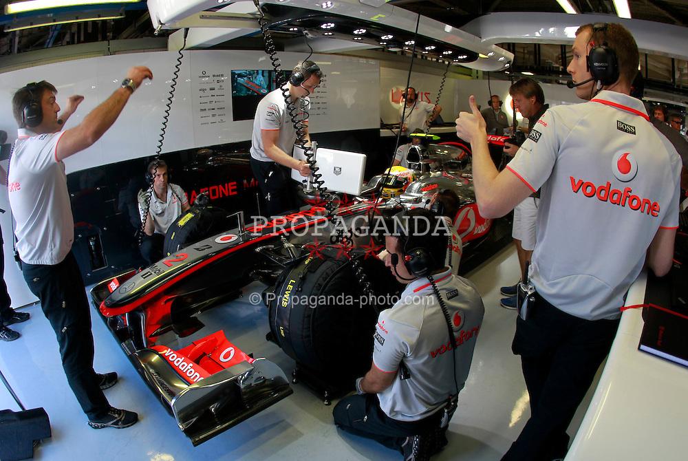 Motorsports / Formula 1: World Championship 2010, GP of Italy, Monza, Drucluftschrauber, 02 Lewis Hamilton (GBR, Vodafone McLaren Mercedes),