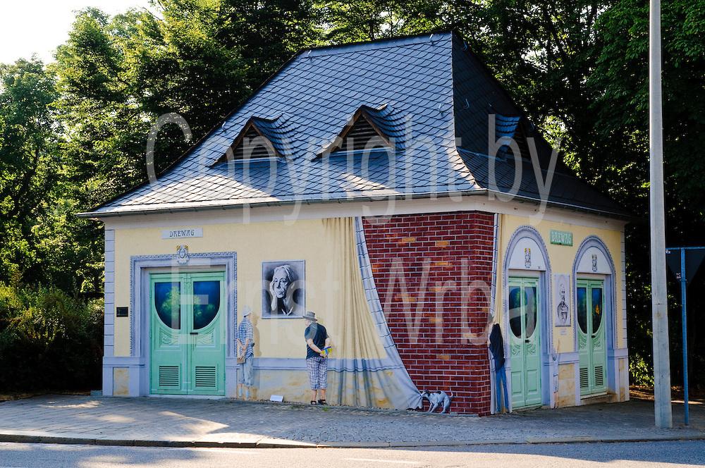 Wandgemälde an Häuschen der DREWAG, Dresden, Sachsen, Deutschland.|.wall paintimg on little house of DREWAG, Dresden, Germany