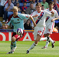 Fotball<br /> England<br /> Foto: Fotosports/Digitalsport<br /> NORWAY ONLY<br /> <br /> Crystal Palace FC vs Burnley FC Championship 23/08/08<br /> <br /> Christian Kalvenes of Burnley battles with John Oster of Palace.