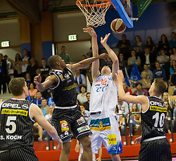 17.05.2015, Walfersamhalle, Kapfenberg, AUT, ABL, ece Bulls Kapfenberg vs magnofit Guessing Knights, 3. Semifinale, im Bild v.l.: Sebastian Koch(Guessing) Travis Taylor (Guessing) Martin Kohlmaier (Kapfenberg) Thomas Klepeisz (Guessing) // during the Austrian Basketball League, 3th semifinal, between ece Bulls Kapfenberg and magnofit Guessing Knights at the Sportscenter Walfersam, Kapfenberg, Austria o00000n 2015/05/17, EXPA Pictures © 2015, PhotoCredit: EXPA/ Dominik Angerer