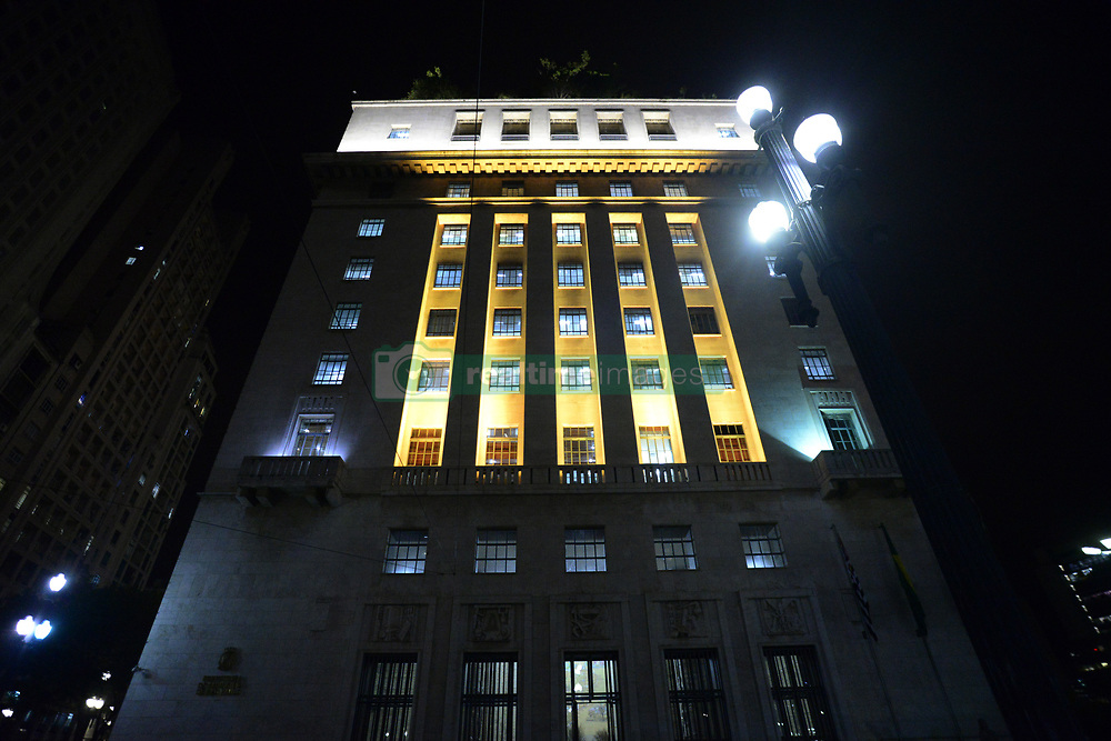 May 5, 2017 - Sao Paulo, Brazil - The Municipality of São Paulo, through the Municipal Secretariat of Mobility and Transportation, will participate with more than one hundred activities in May Yellow, a movement that happens in various parts of the world to encourage the coexistence of modalities and to make everyone aware of the importance of reducing The rates of deaths and injuries in traffic. Some monuments of the city will be illuminated in yellow by Ilume (Department of Public Lighting), Viaduto do Chá, the façade of the building of the city hall, among others. (Credit Image: © Cris Faga/NurPhoto via ZUMA Press)