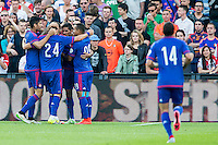 ROTTERDAM - Feyenoord - Olympiakos FC, Voetbal , Seizoen 2015/2016 , oefenwedstrijd , Stadion de Kuip , 01-07-2015 , Olympiakos viert het eerste doelpunt