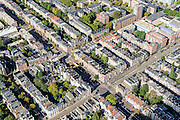 Nederland, Noord-Holland, Amsterdam, 27-09-2015; Oud-West, kruising Overtoom met Eerste Constantijn Huygensstraat en het WG terrein. Helmersbuurt<br /> Old western part of Amsterdam.<br /> luchtfoto (toeslag op standard tarieven);<br /> aerial photo (additional fee required);<br /> copyright foto/photo Siebe Swart