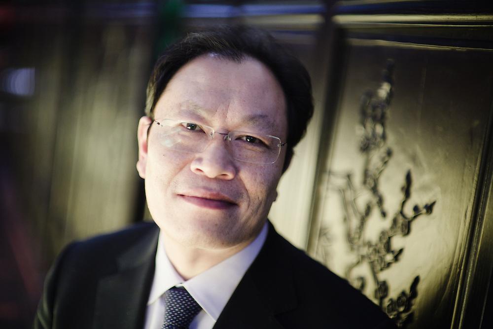 """08 JAN 2011 - Cadoneghe (PD) - Hu """"Marco"""" LiShuang, titolare del ristorante cinese Wok-Sushi e amico del presidente della Regione Veneto Luca Zaia."""