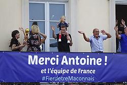 July 20, 2018 - Macon, France - ANTOINE GRIEZMANN ET SA FILLE  MIA DE RETOUR A MACON .APRES SON TITRE DE CHAMPION DU MONDE (Credit Image: © Panoramic via ZUMA Press)