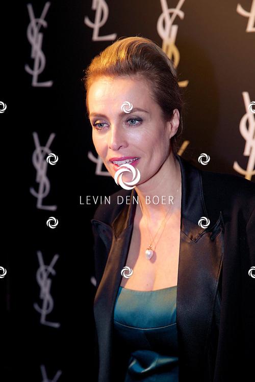 AMSTERDAM - In de Vondelkerk is de filmpremiere van 'Yves Saint Laurent' gehouden. Met op de rode loper  Frederique van der Wal. FOTO LEVIN DEN BOER - PERSFOTO.NU