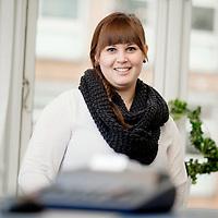 AJ Revision - Medarbejder portr&aelig;t Stine Brodersen<br /> Revisor