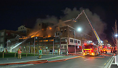Christchurch-Fire rages through earthquake damaged building