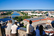 Blick von Aussichtsterrasse der Frauenkirche, Dresden, Sachsen, Deutschland.|.view from platform of church of Our Lady, Dresden, Germany