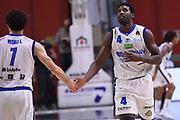 Luca Vitali, Dario Hunt<br /> Vanoli Cremona - Germani Leonessa Basket Brescia<br /> LegaBasket Serie A 2017/2018<br /> Cremona, 28/04/2018<br /> Foto M.Ceretti / Ciamillo-Castoria