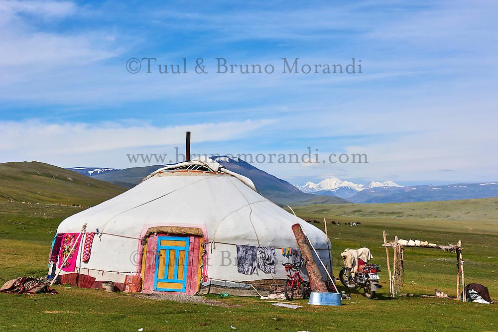 Mongolie, province de Bayan-Ulgii, Parc national de Tavan Bogd, les plus hauts sommets de la chaine de montagne Altai, campement nomade des Kazakh // Mongolia, Bayan-Ulgii province, western Mongolia, National parc of Tavan Bogd, the 5 highest summit of the Altay mountains, nomad camp of Kazakh people