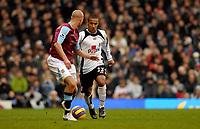 Photo: Alan Crowhurst.<br />Fulham v West Ham United. The Barclays Premiership. 23/12/2006. Fulham's Wayne Routledge (R) attacks.