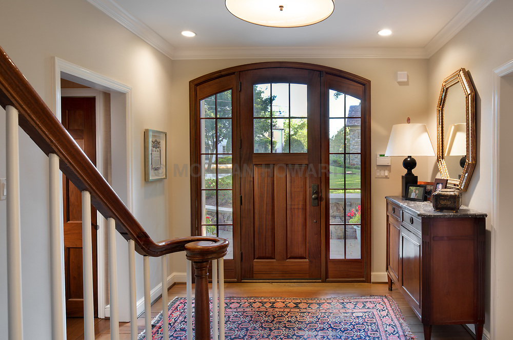 4655 Hawthorne Exterior twilight interior Foyer