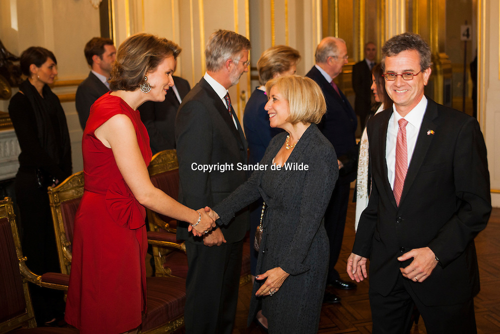 2012-01-12, Brussels, Belgium. The Belgian Royal family gave a newyears drink in the palace for all ambassadors. In this picture: Princess Matahilde  (left),greets Michelle Loewinger, wife of the ambassador of the USA, Howard William Goodman.(right)