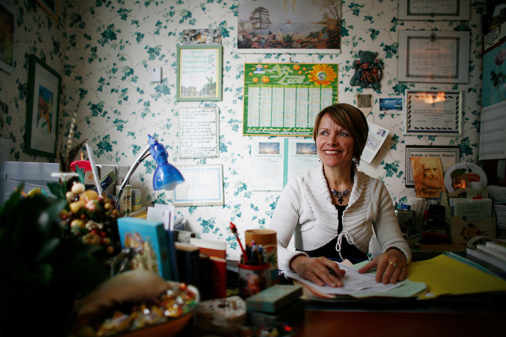Friday March 7th 2008.  .Boulogne Billancourt (Hauts de Seine), France.Homeopath Patricia Gonet-Lapous in her office..Rue de la Saussiere.