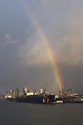 bei Blohm+Voss in Hamburg am 25.10.2012 mit Regenbogen