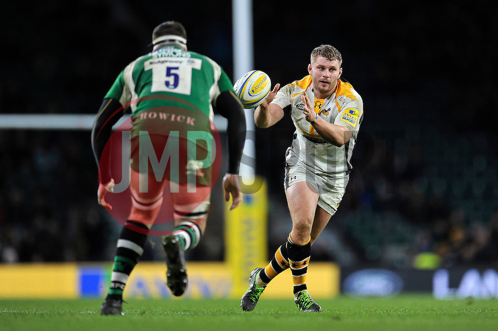 Thomas Young of Wasps looks to receive the ball - Mandatory byline: Patrick Khachfe/JMP - 07966 386802 - 28/11/2015 - RUGBY UNION - Twickenham Stadium - London, England - London Irish v Wasps - Aviva Premiership.